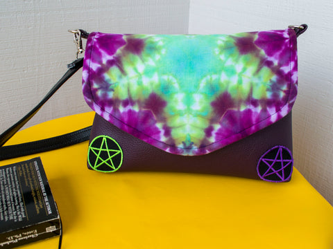 Trippy Hippie Witch Flapover Purse