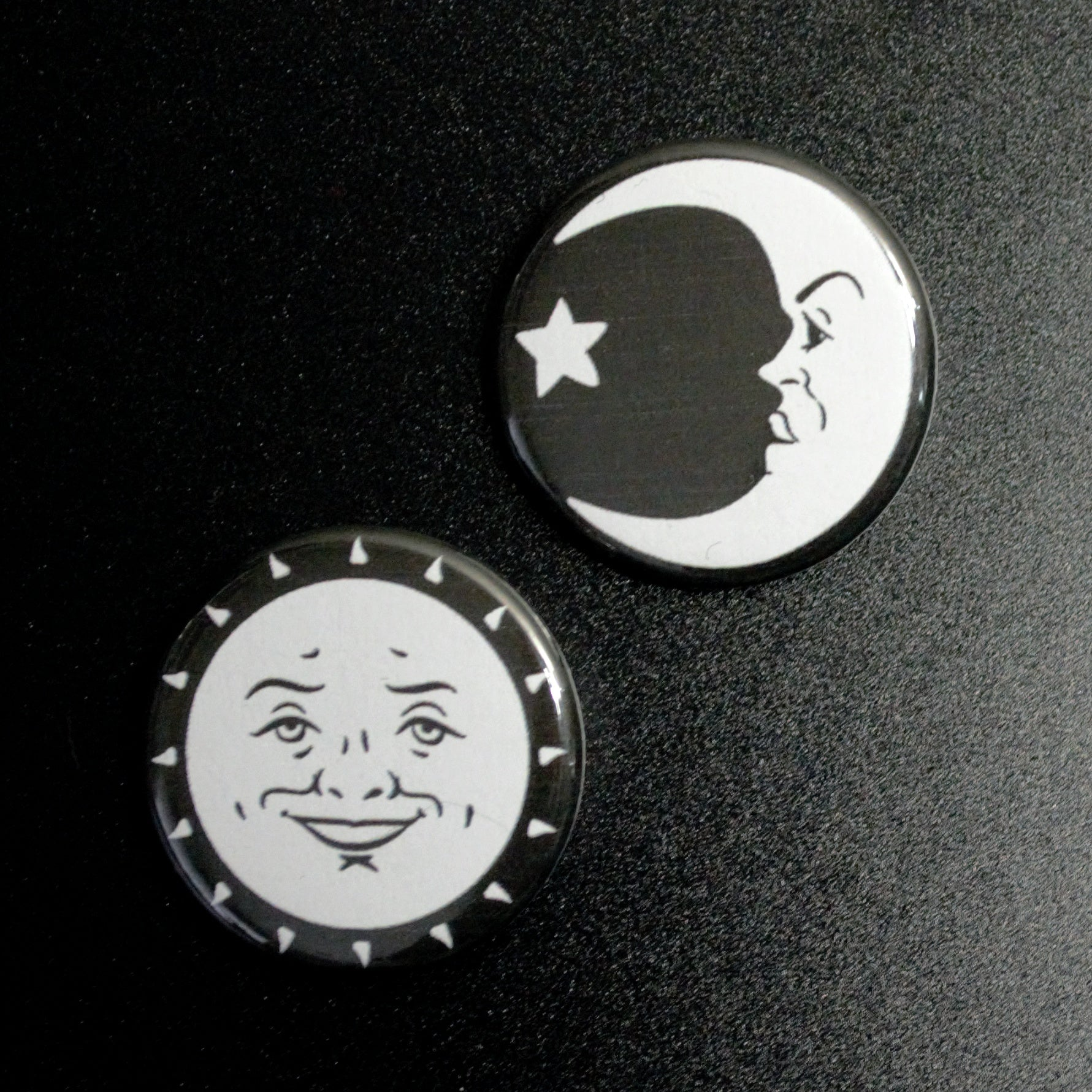 Ouija Sun and Moon Set Pin / Magnet