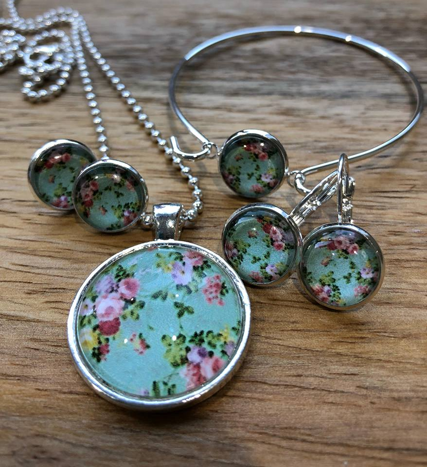 SHABBY CHIC MINT FLORAL RANGE