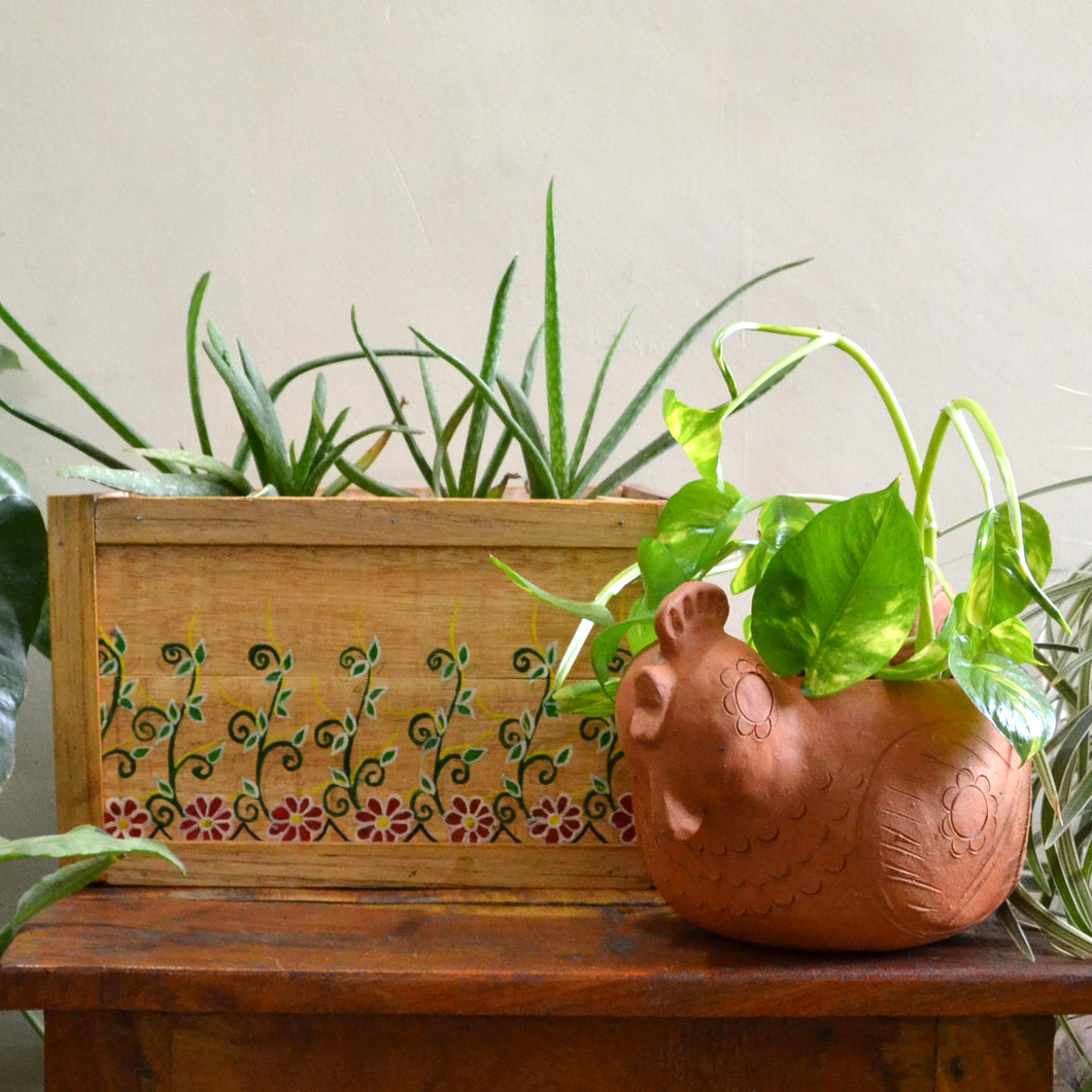 Chinhhari arts Wooden hand painted planter/decor - CHWP003
