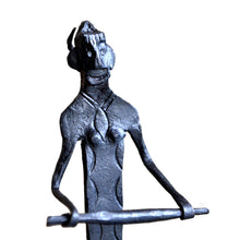 Chinhhari arts Wrought Iron women making Chutney- WIMI001