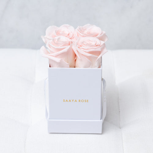 4 White Box (Light Pink Roses)