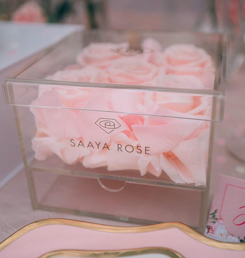 CLEAR ROSE & ROSE PETALS BOX