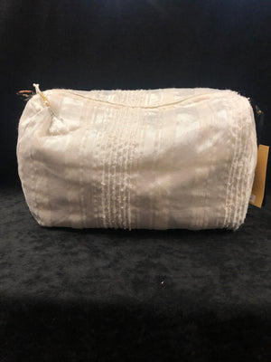 White with Paisley Lining Make-Up Bag