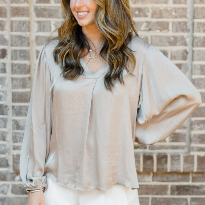 Cobblestone Living Elisa Top Taupe