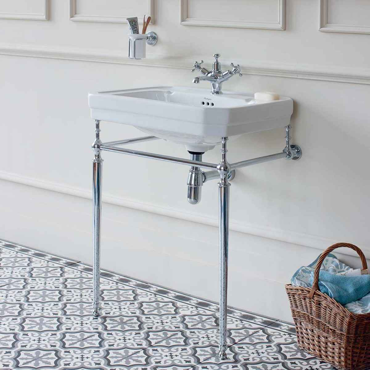 BURLINGTON VICTORIAN 61CM BASIN WITH REGAL HEIGHT CHROME BASIN STAND