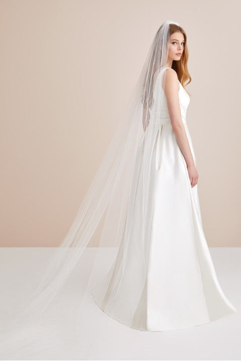 "137"" one tier plain veil"
