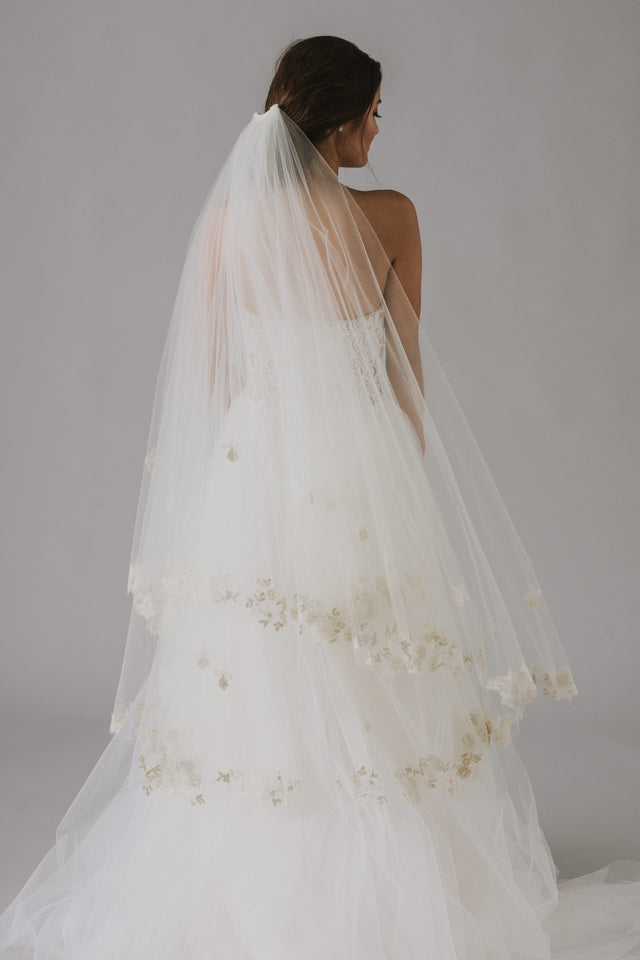 Two Tier Lace Edge Veil