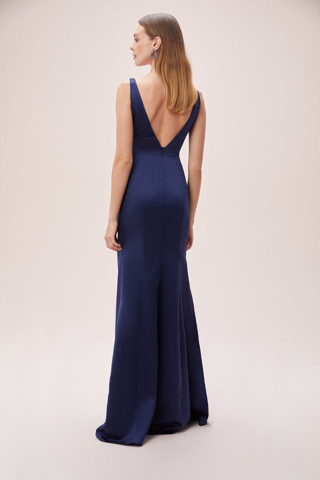 Simple and Modern Sheath Gown