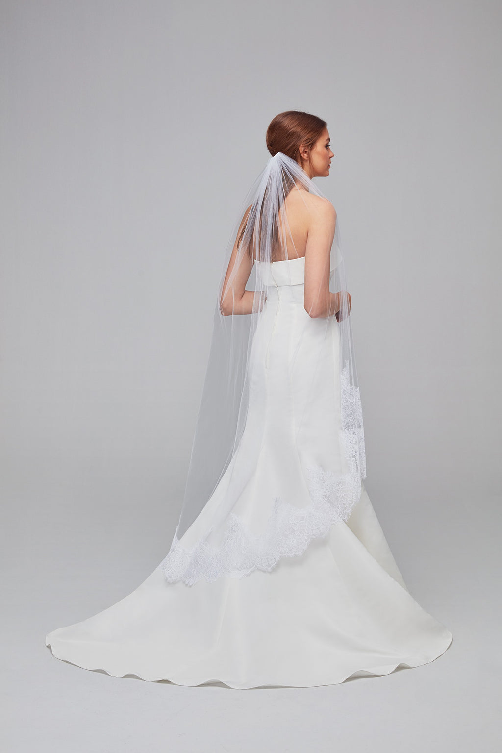 Eyelash Lace-Edge Walking Veil-image