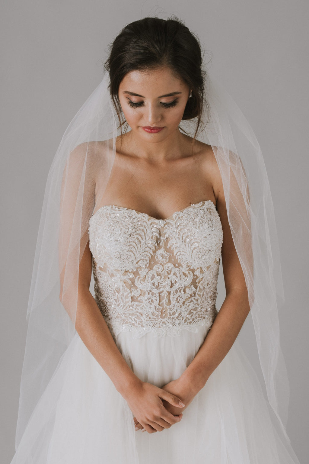 Two-tier Walking Length Veil with Raw Edge-image