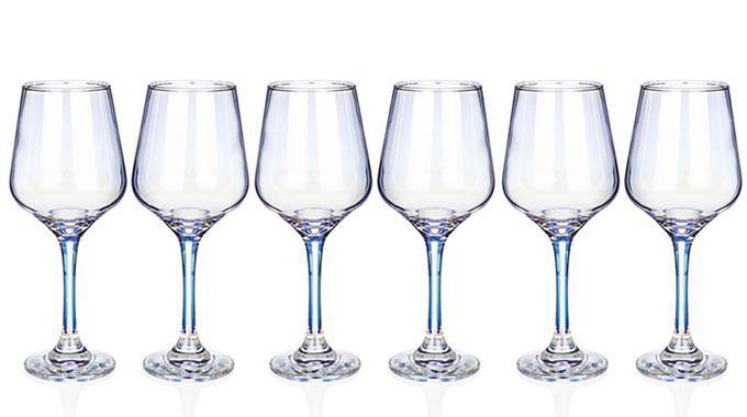 Unicorn Lustre Wine Glasses This stunning Unicorn lustre wine glass set from Newgrange Living/Giftworks, Ennis&Galway