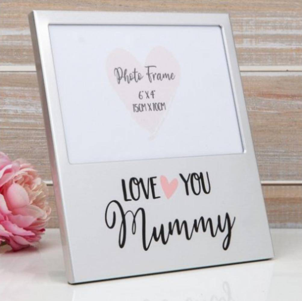 Give a precious picture with your Mum its place to shine with this Aluminum Photo Frame/Giftworks