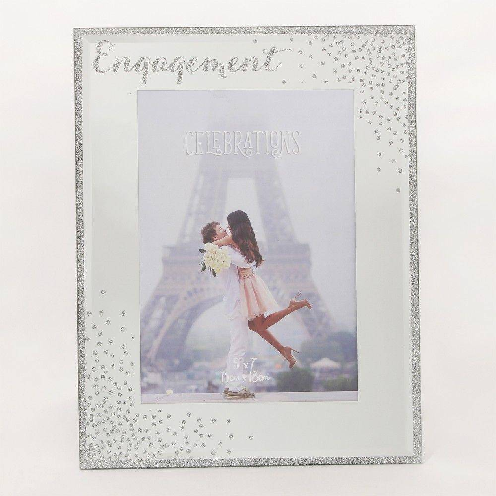 This wonderful freestanding frame makes the perfect gift for a special couple on their engagement, ideal for displaying a memory of the day they got engaged/Giftworks, Ennis&Galway