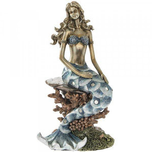 Mermaids have long fascinated us! Add a magical figure of the sea to your decor with this  Exotic Art Mermaid. She's sure to raise a smile wherever she's displayed.