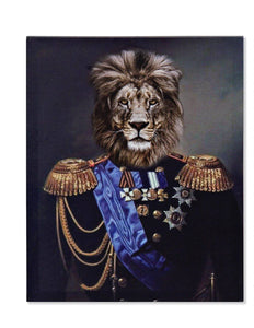 His Imperial Majesty, The Lion presents himself proud and splendid creating a beautiful and strong image/Giftworks, Ennis&Galway