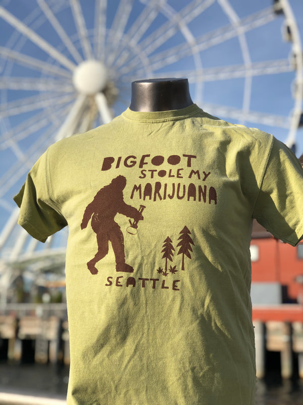 Bigfoot Stole Hemp T-Shirt - Green