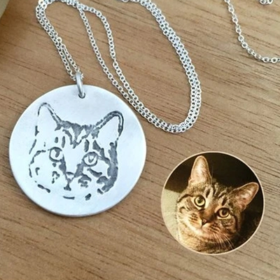 Custom Dog Cat Portrait Memorial Necklace with Name Engraved - The Pet Pillow
