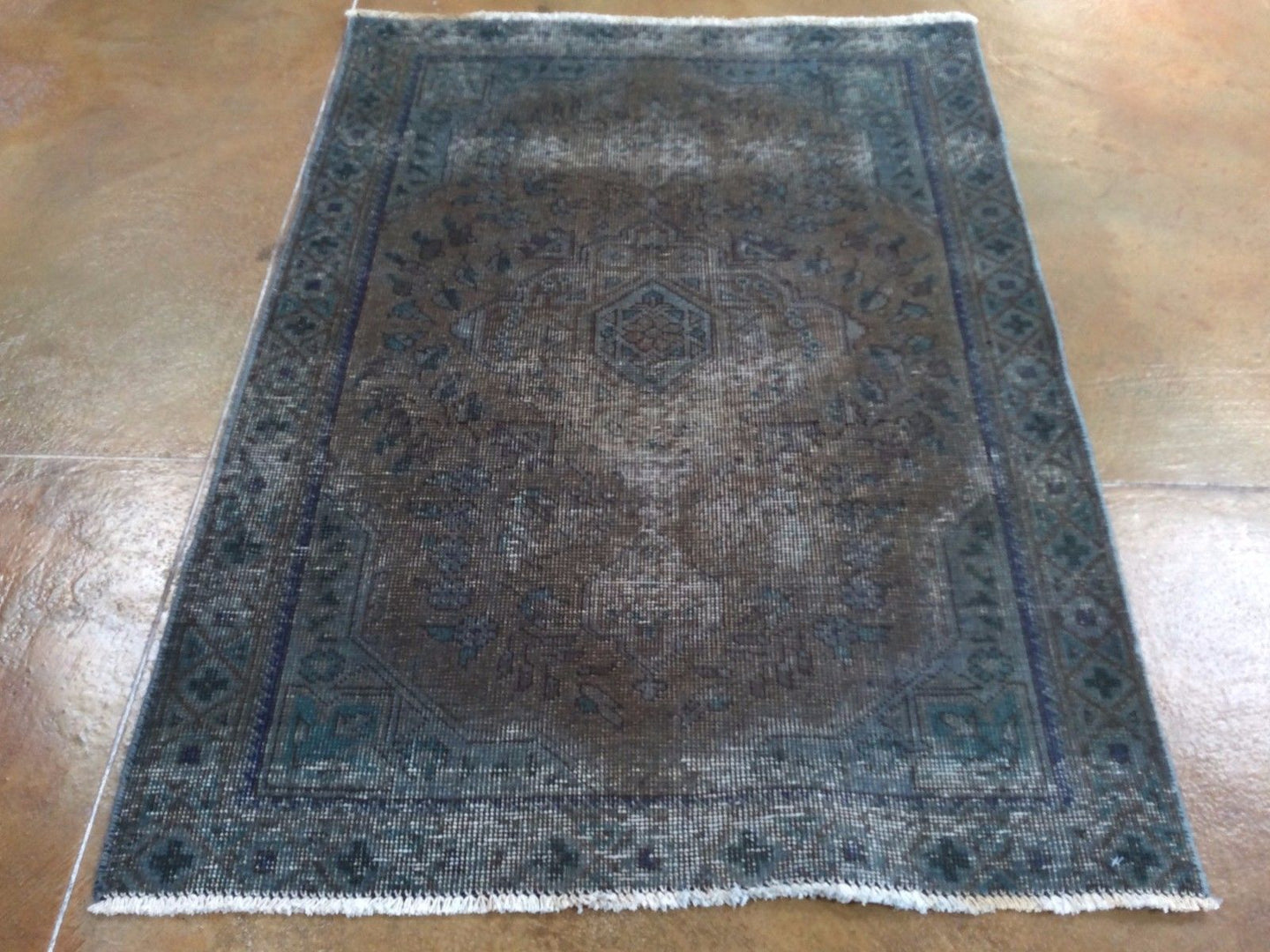 Persian Overdyed Pretty Traditional Design Handmade Splendid Handknotted Real Wool Unique Rug