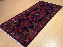 Load image into Gallery viewer, Persian Oriental Tribal Runner-Rug 100-Percent Wool Hand-Knotted Handmade