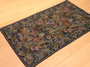 Beautiful Interior-Decorator Pretty Handwoven Kashmiri Chainstitch Stitch Handmade Classy Real Wool Rug