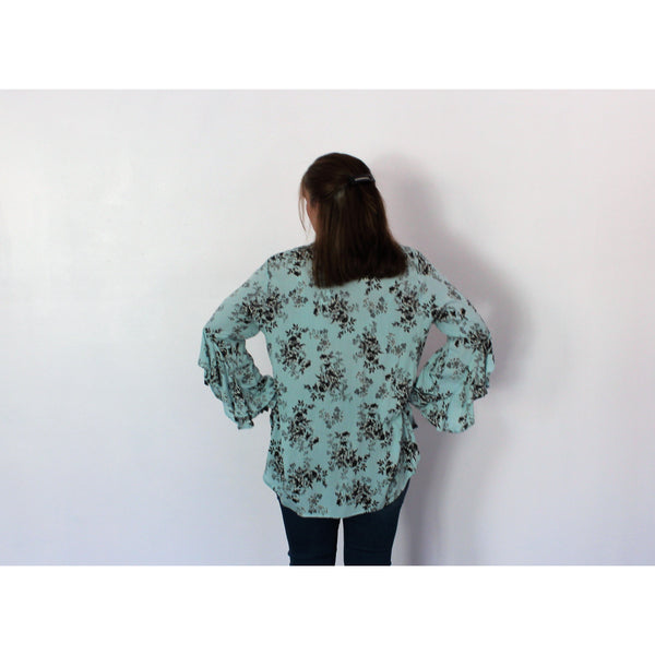 Emma G Blue/Gray Floral Top