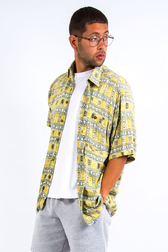 90's Vintage Patterned Vacation Shirt