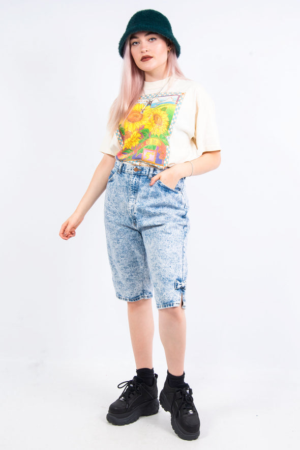 UK Fashion. The best in UK vintage fashion. Shop vintage mom shorts right now on our online vintage clothing store | THE VINTAGE SCENE.