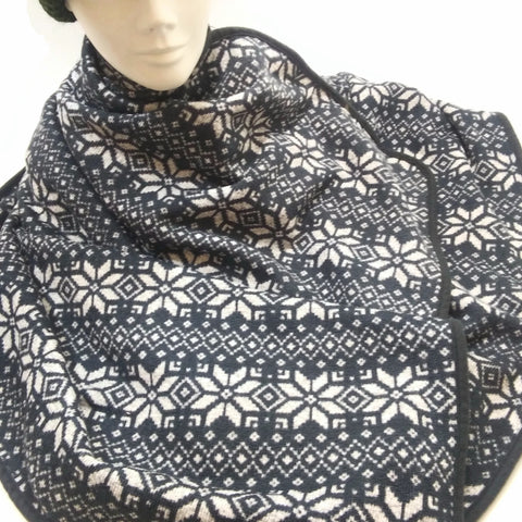 Women's Warm Snowflake Cuddle Fleece Wrap Scarf Shawl Blanket Scarves