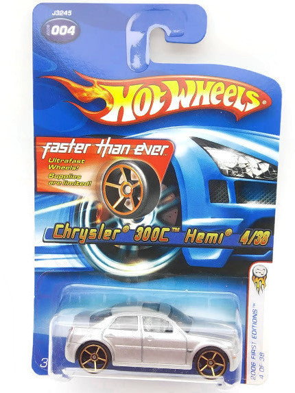 Hot wheels : 2006 First Edition : Chrysler 300C Heml -  4 Of 38. Silver