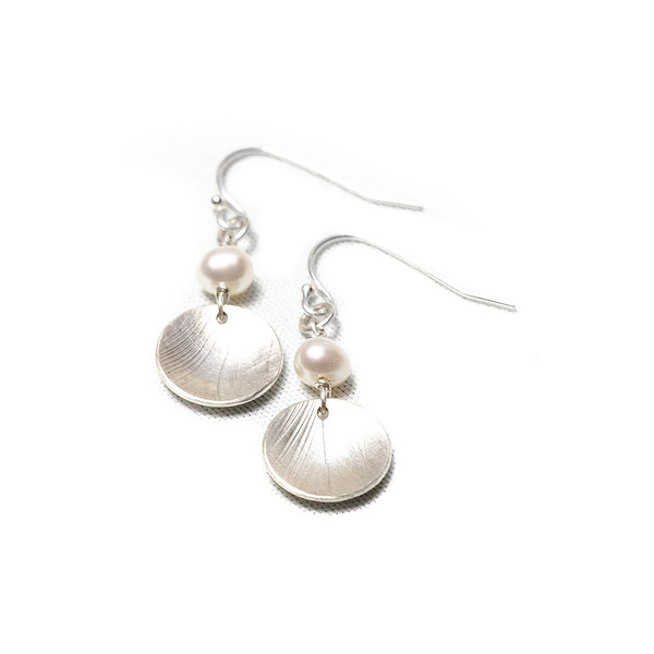 Pearl jewellery handmade in Tofino BC. Shop now at lisafletcher.ca
