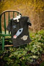 Load image into Gallery viewer, Boys Tee Organic Shirt Blend Rocket Tee Space