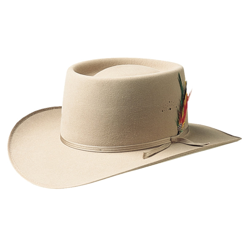 Angle view of the Akubra Aussie Gold hat in sand colour.