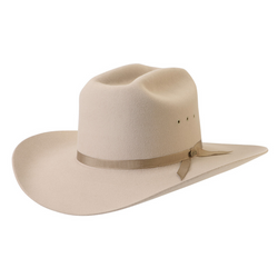angle view of the Akubra Outback Club hat in Sand colour