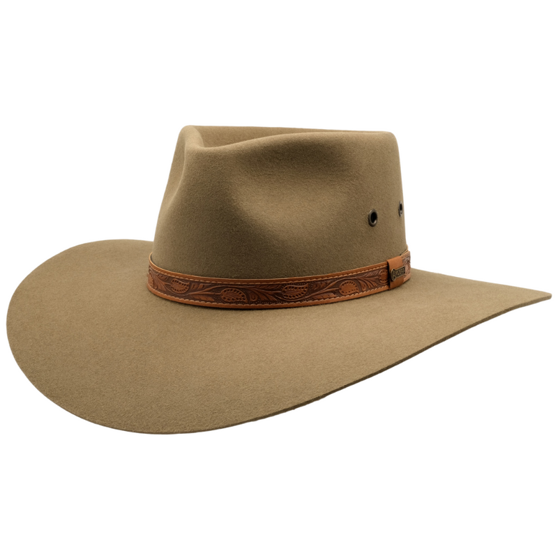 Angle view of the Akubra Territory hat in Santone colour
