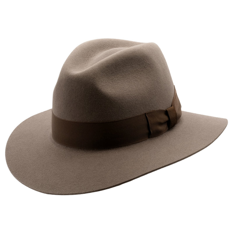 Angle view of Akubra Adventurer hat in Regency Fawn colour