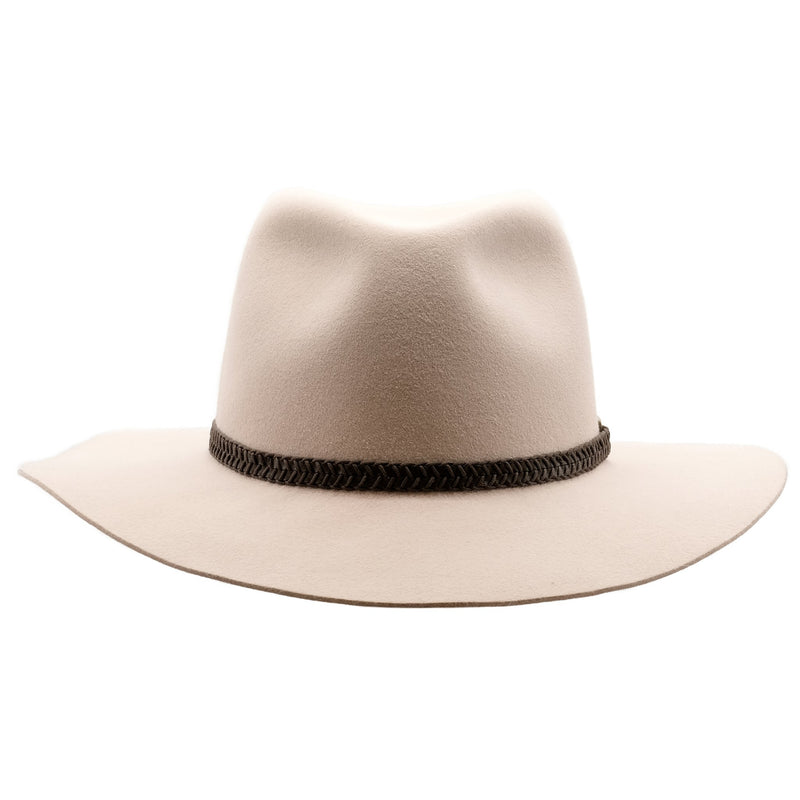 front on view of the Akubra Avalon hat in light sand colour