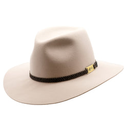 angle view of the Akubra Avalon hat in light sand colour