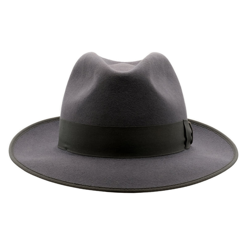 Front on view of Akubra Bogart hat in Carbon Grey