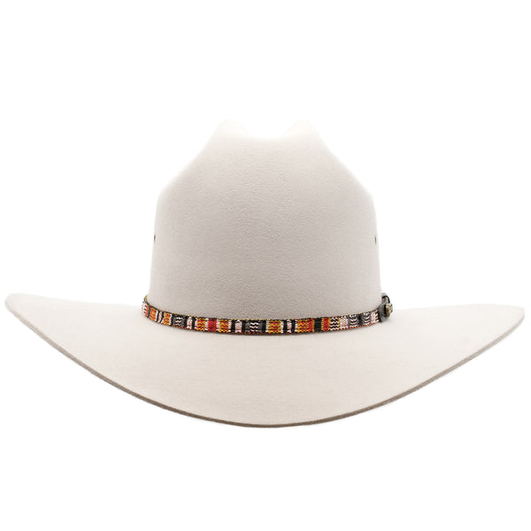 Front view of the Akubra Bronco hat in Quartz colour