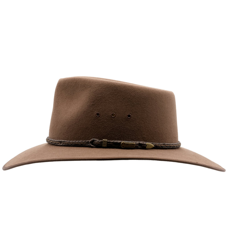 Side view of the Akubra Cattleman hat in fawn colour