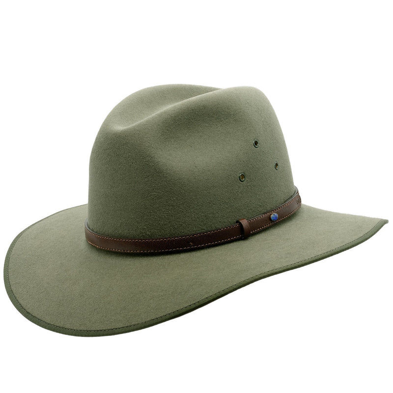 Angle view of Akubra Coober Pedy hat in Bluegrass green colour