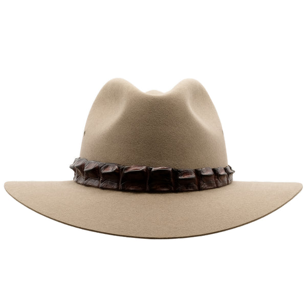 Front view of the Bran coloured Akubra Coolabah hat