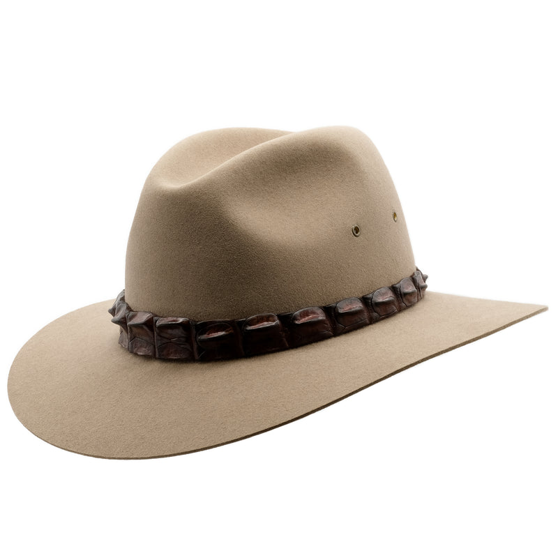 Angle view of the Bran coloured Akubra Coolabah hat