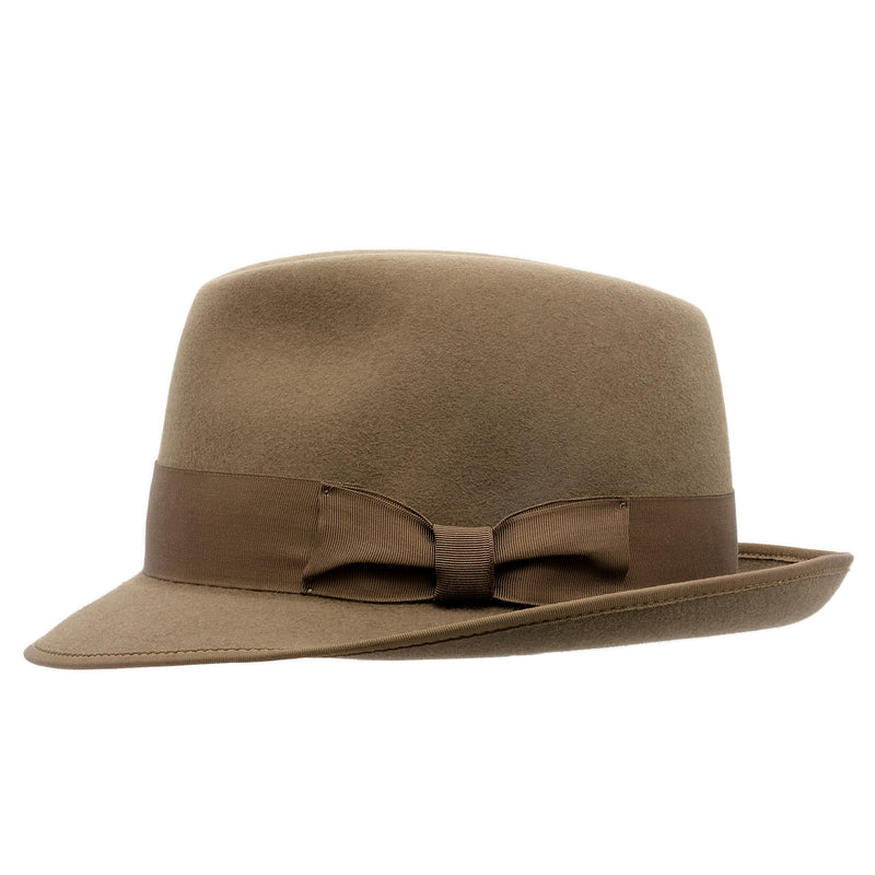 Side view of the Akubra Hampton hat in Acorn fawn colour