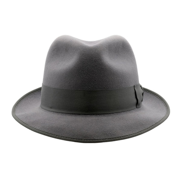 Front-on view of Akubra Hampton hat in Cruiser Grey colour