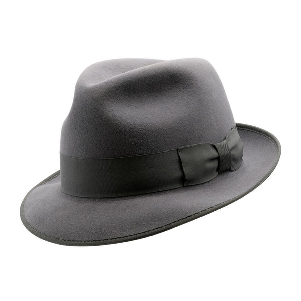 Angle view of Akubra Hampton hat in Cruiser Grey colour