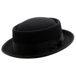 Angle view of Akubra Jazz hat in black