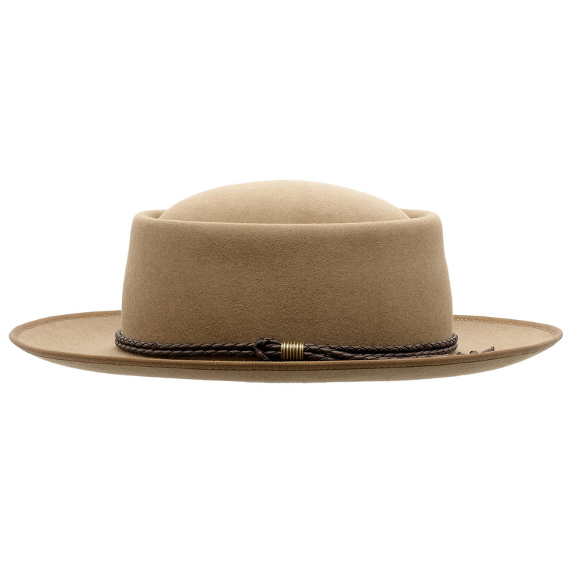 Side view of the Akubra Pastoralist hat in Tawny Fawn colour