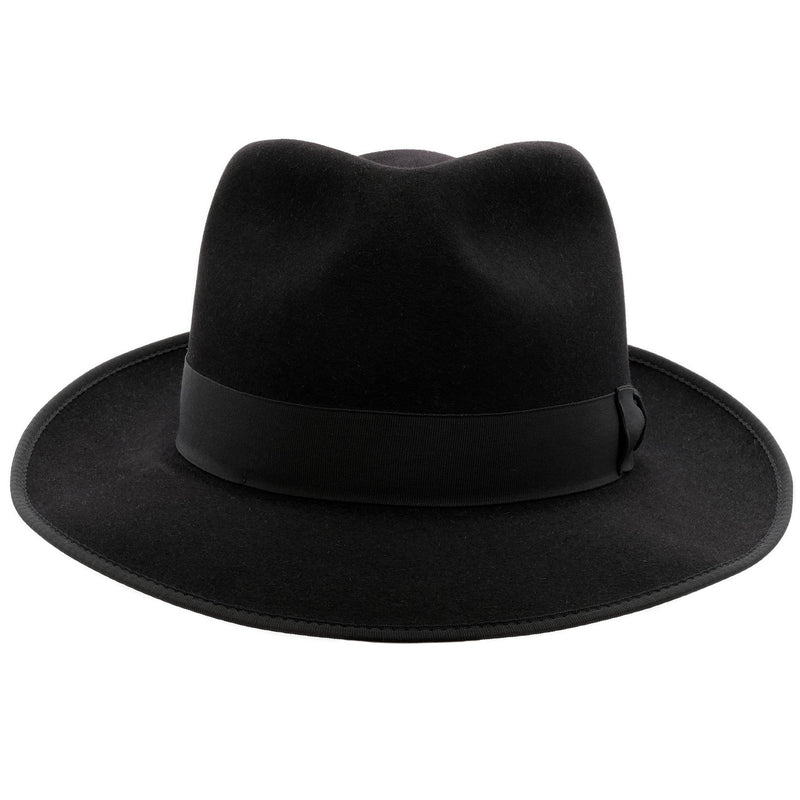 Front view of  black Akubra Stylemaster hat